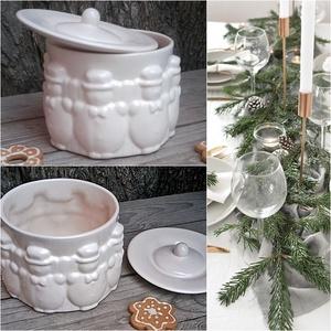 Fehér zúzmara-hóemberes kerámia sütis doboz , Otthon & lakás, Dekoráció, Ünnepi dekoráció, Karácsony, Karácsonyi dekoráció, Kerámia, A fehér tökéletes..retro..modern..ünnepi..vagy hétköznapi:)..öltöztethető,minden karácsonyra más más..., Meska