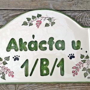 Selyemakác egyedi  kerámia utcanévtábla  (ntakeramia) - Meska.hu