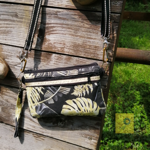 Elegáns könnyű textil kézitáska, csuklótáska, pénztárca - fekete  sárga  pálma mintás, impregnálva, Táska & Tok, Kézitáska & válltáska, Csuklótáska, Varrás, Kis méretű csuklóra akasztható praktikus textil kézitáska, amelybe a legfontosabb dolgok - igazolván..., Meska