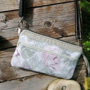 Világos pasztell textil kézitáska, csuklótáska, pénztárca - orchideás és szürkés farmer anyagból, Táska & Tok, Kézitáska & válltáska, Csuklótáska, Varrás, Kis méretű csuklóra akasztható praktikus textil kézitáska, amelybe a legfontosabb dolgok - igazolván..., Meska