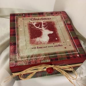Szarvas... , Dekoráció, Otthon & lakás, Ünnepi dekoráció, Karácsony, Karácsonyi dekoráció, Decoupage, transzfer és szalvétatechnika, Festett tárgyak, 4 rekeszes dobozka az illatos mézeskalácsoknak... karácsonyi meglepetéseknek... Kedves ajándéka lehe..., Meska