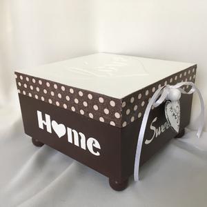 Home-Love..., Otthon & lakás, Dekoráció, Lakberendezés, Tárolóeszköz, Konyhafelszerelés, Decoupage, transzfer és szalvétatechnika, Festett tárgyak, 4 rekeszes /teás/dobozka... Rendelhető tetszés szerinti színekben... :)\n\nA rekeszek kivehetők...\nMér..., Meska