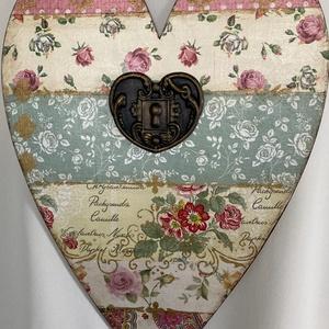 Virágos szív..., Otthon & Lakás, Dekoráció, Kép & Falikép, Decoupage, transzfer és szalvétatechnika, Festett tárgyak, Meska