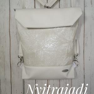 3in1 Textilbőr táska, Variálható táska, Táska & Tok, Varrás, Hordható háton , vállon , oldalt , attól függően hová állítod a pántot :-)\nPánt heveder , ami állíth..., Meska
