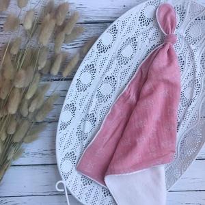 Rózsaszín nyuszis csomózott rongyi, Játék & Gyerek, 3 éves kor alattiaknak, Alvóka & Rongyi, Varrás, Meska
