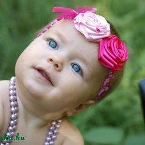 Rózsaszín variációk hajpántra, Táska, Divat & Szépség, Ruha, divat, Hajbavaló, Hajpánt, Mindenmás, Varrás, Csodás rózsaszínek kavalkádja!\nA két, kézzel készített selyemrózsa kb.5 cm átmérőjű.A rugalmas pánto..., Meska