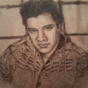 Elvis,a király, Művészet, Portré & Karikatúra, Portré, Festészet, Famegmunkálás, Fába pirográf technikával készített portré.A kép méretei:35 cm magas és 26 cm széles.6 mm-s vastagsá..., Meska