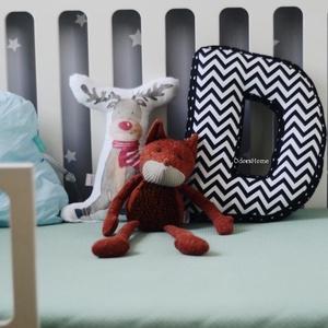 Monokróm színben D Betűpárna, fekete - fehér chevron mintával, textil betű babáknak, 30cm magas (OdorsHome) - Meska.hu