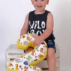 2-es számpárna fotózáshoz, 30 cm magas, születésnapi számpárna, Otthon & Lakás, Párna & Párnahuzat, Lakástextil, Olyan édesek a kisbabák, tipegők amikor gyömöszölik a színes-mesés szám vagy betűformákat. Szeretett..., Meska