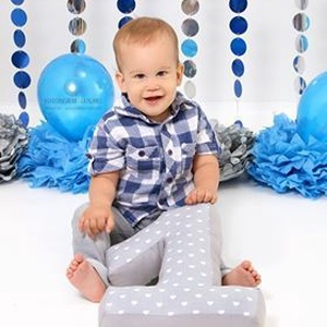 1 -es számpárna - egyes szám alakú forma párna baba hónapjainak vagy éveinek fotózásához, első születésnapra ajándék, Ruha & Divat, Babafotózási ruha és kellék, Babaruha & Gyerekruha, Egyre népszerűbb manapság megörökíteni a kisbabák, gyerekek mérföldköveit egy-egy fotózás alkalmával..., Meska