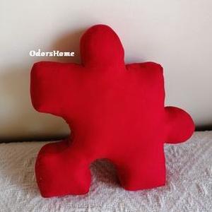 Puzzle párna - formapárna - vicces párna - lakásdekoráció - dekorációs párna - ülőpárna - játszószőnyeg, Otthon & Lakás, Lakástextil, Párna & Párnahuzat, Varrás, Puzzle formájú párnákat készítettünk, vidám színekben és mintákkal. Többféle alakzatban készültek, d..., Meska