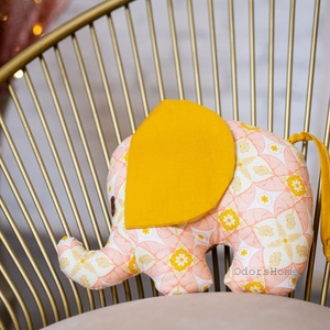Elefánt textil figura - babajáték - elefántos babaszoba - marokállat - puha játék - figurapárna - elefántos, Játék & Gyerek, Plüssállat & Játékfigura, Elefánt, Varrás, Aranyos kislány elefánt figura a legkisebbek számára, ami igazán babakezekbe való.\n\nOlyan textil fig..., Meska