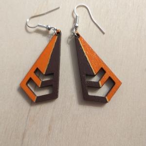 narancs-barna geometrikus fa fülbevaló, Ékszer, Fülbevaló, Lógó fülbevaló, Gravírozás, pirográfia, Ékszerkészítés, Rétegelt lemezből lézervágással készült légiesen könnyed fülbevaló. 4 cm hosszú szerelék nélkül. Kéz..., Meska