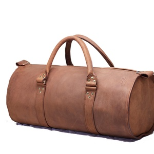 Bivalybőr utazótáska 40 literes (3016-os típusú) - OLD SAILOR, Táska & Tok, Bőrönd & utazás, Utazótáska, Bőrművesség, Varrás, OLD SAILOR bivalybőr 40 literes kézitáska utazáshoz vagy hétköznapi használatra (pl.: edzéshez).\nBel..., Meska