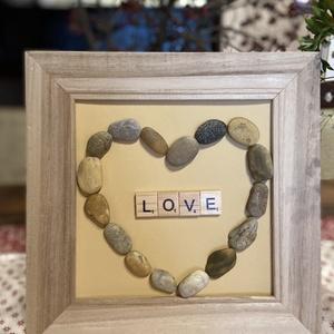Szerelem-kavics nyelven, Kavics & Kő, Dekoráció, Otthon & Lakás, Festett tárgyak, Egyedi, személyre szóló ajándék, vagy dekoráció ez a kavicsokból készült álló kép!\nMég személyesebbé..., Meska