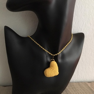 pici SÁRGA SZÍV horgolt medál sárga színű nyaklánccal