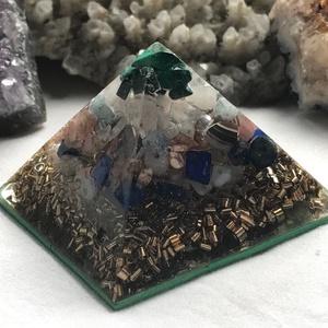 Orgonit piramis - BIKA, Egyéb, Lakberendezés, Otthon & lakás, Dekoráció, Mindenmás, Orgonit horoszkópos piramis a BIKA jegy szerencseköveivel, hegyikristállyal, alján bronz forgáccsal ..., Meska