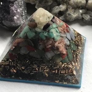 Orgonit piramis - RÁK, Egyéb, Lakberendezés, Otthon & lakás, Dekoráció, Mindenmás, Orgonit horoszkópos piramis a RÁK jegy szerencseköveivel, hegyikristállyal, alján bronz forgáccsal é..., Meska