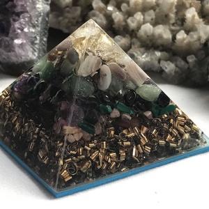 Orgonit piramis - SKORPIÓ, Egyéb, Lakberendezés, Otthon & lakás, Dekoráció, Mindenmás, Orgonit horoszkópos piramis a SKORPIÓ jegy szerencseköveivel, hegyikristállyal, alján bronz forgáccs..., Meska