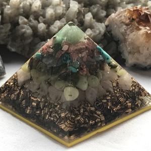 Orgonit piramis - MÉRLEG, Egyéb, Lakberendezés, Otthon & lakás, Dekoráció, Mindenmás, Orgonit horoszkópos piramis a MÉRLEG jegy szerencseköveivel, hegyikristállyal, alján bronz forgáccsa..., Meska