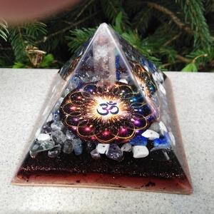 ORGONIT PIRAMIS - OM, Dísztárgy, Dekoráció, Otthon & Lakás, Mindenmás, Orgonit OM piramis hegyikristály csúccsal.\nTértisztításra, gyógyításhoz, meditációhoz. Alapterülete:..., Meska