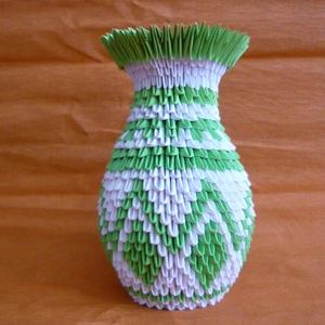 Origami váza, Lakberendezés, Otthon & lakás, Kaspó, virágtartó, váza, korsó, cserép, Asztaldísz, Dekoráció, Mindenmás, Papírművészet, A váza 6x3,5 cm nagyságú téglalapokból, kézzel hajtogatott kis háromszögekből készült. Fehér és zöld..., Meska
