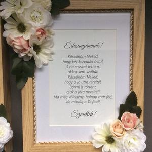 Szülőköszöntő ajándék szett, Esküvő, Esküvői dekoráció, Meghívó, ültetőkártya, köszönőajándék, Fotó, grafika, rajz, illusztráció, Selyemvirággal készített, egyedi tervezésű szülőköszöntő ajándék szett. Egy garnitúra tartalma:\n- 2 ..., Meska
