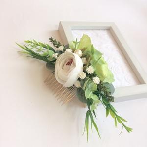 Greenery fehér boglárkás erdei vintage esküvői hajdísz, Esküvő, Hajdísz, ruhadísz, Táska, Divat & Szépség, Hajbavaló, Ruha, divat, Mindenmás, Virágkötés, Zöld és fehér! Az erdei esküvők hangulata ihlette ennek a greenery szettnek a megalkotását. Egy nagy..., Meska