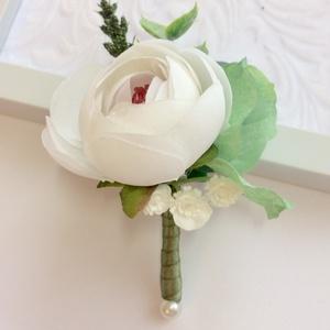 Fehér zöld erdei esküvői vőlegény tanú kitűző, Esküvő, Hajdísz, ruhadísz, Férfiaknak, Vőlegényes, Mindenmás, Virágkötés, \nZöld és fehér! Az erdei esküvők hangulata ihlette ennek a greenery szettnek a megalkotását. Egy nag..., Meska