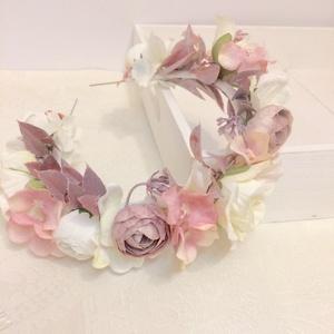 Mályva színvilágú hajkoszorú esküvőre, koszorúslanyoknak, vagy gyerekeknek, Esküvő, Hajdísz, ruhadísz, Gyerek & játék, Baba-mama kellék, Mindenmás, Virágkötés, Mályva, fehér és halvány rózsaszín selyemvirágokból készítettem el ezt a romantikus hajkoszorút, vék..., Meska