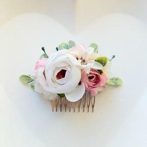 Rózsaszín boglárkás selyemvirág menyasszonyi, koszorúslány fésűs hajdísz, Esküvő, Hajdísz, Fésűs hajdísz, Virágkötés, Meska
