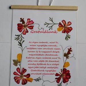 Nyugdijazásra Gratuláció Préseltvirággal, eredeti, virág, ajándék, nyugdij, Otthon & lakás, Képzőművészet, Vegyes technika, Fotó, grafika, rajz, illusztráció, Mindenmás, Csak a szöveg van nyomtatva, a többi Eredeti Virág!! \n\nEz a művészi alkotás eredeti, azaz ott a virá..., Meska