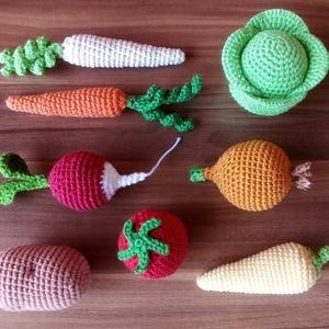 Horgolt zöldségek, Játék & Gyerek, Plüssállat & Játékfigura, Más figura, Varrás, Horgolás, Kislány koromban nagyon szerettem boltosat, piacosat játszani, ezért terveztem ezeket a horgolt zöld..., Meska