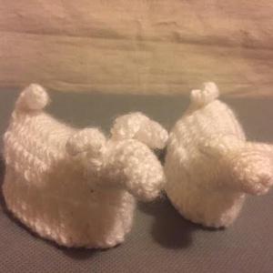 Horgolt tojástartó bárány, Otthon & Lakás, Dekoráció, Horgolás, Fehér horgolófonalból készült bárány.\nHasába pont egy tojás fér bele.\n\nAz ár 2db-re vonatkozik...., Meska
