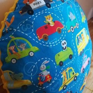 Állatos - járműves párna kisfiúknak, Otthon & lakás, Lakberendezés, Bútor, Dekoráció, Varrás, Vidám mintás párna kisfiúknak, pihepuha minky és designer textil felhasználásával készült. \nA párna ..., Meska