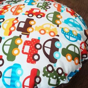 Autós párna kisfiúknak, Otthon & lakás, Lakberendezés, Bútor, Dekoráció, Varrás, Vidám mintás párna kisfiúknak, pihepuha minky és designer textil felhasználásával készült. \nA párna ..., Meska