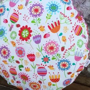 Virágos párna kislányoknak, Otthon & lakás, Lakberendezés, Bútor, Dekoráció, Varrás, Vidám mintás, virágos párna kislányoknak, pihepuha minky és designer textil felhasználásával készült..., Meska