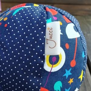 Űrhajós textil labda, Játék & Gyerek, 3 éves kor alattiaknak, Babalabda, Varrás, Színes-mintás textilből készült, közepes méretű puha rongylabda. Benti játékhoz nagyobbaknak  is kiv..., Meska