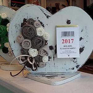 Virágos állónaptár (pallagiporta) - Meska.hu