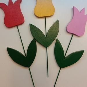 Tavaszt provokáló virágcsokor (3 db/csokor), Dekoráció, Otthon & lakás, Lakberendezés, Kerti dísz, Famegmunkálás, Festett tárgyak, Apukám kézügyességét dicséri ez a fából készített virágcsokor\n\nMagassága: 25 cm \nAkrilfestékkel keze..., Meska
