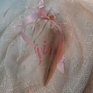 Levendula tölcsérben - girl, Otthon & Lakás, Illatzsák, Dekoráció, Kislány érkezésére! 20 cm-es, 40 gramm súlyú textiltölcsér levendulával töltve.  Remek ajándék.  Sze..., Meska