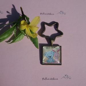 Legszuperebb barátok, Kulcstartó, Kulcstartó & Táskadísz, Táska & Tok, Üvegművészet, 2 cm-es szögletes üveglencsés vintage stílusú kulcstartó.\nKedves csillag alakú kulcskarikával, édes ..., Meska