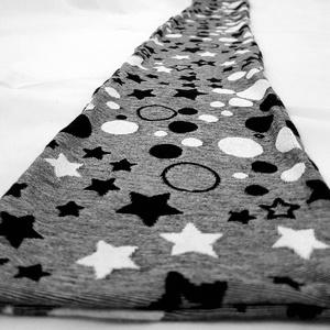 Csillagom sapka és sál szett, Ruha & Divat, Sál, Sapka, Kendő, Sapka & Sál szett, Varrás, Puha és meleg, ölelő csillagos sál és sapka együttese.\n\nA sapka hosszított beanie, a sál klasszikus ..., Meska