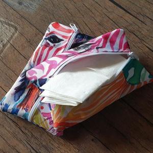Textil papírzsebkendő tartó (10-12db. papírzsebkendőnek), Táska, Divat & Szépség, Táska, Neszesszer, NoWaste, Textilek, Textil tároló, Varrás, Te sem szereted ha a táskádban szanaszét hevernek a zsebkendők? Jobban szereted ha egy 10db-os csoma..., Meska