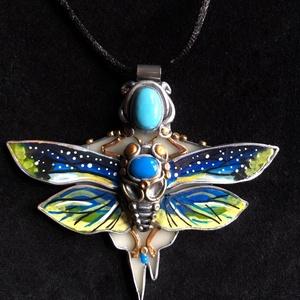 Éjjeli pillangó nyaklánc, Medálos nyaklánc, Nyaklánc, Ékszer, Ékszerkészítés, Gyurma, Kézzel készített,egyedi,különleges antik hatású pillangó medál polymer clay-ből, nemesacél akasztóva..., Meska