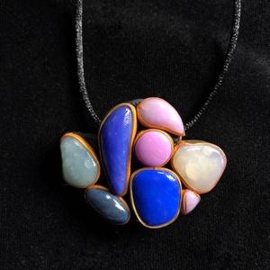 Lila köves nyaklánc, Ékszer, Bogyós nyaklánc, Nyaklánc, Kézzel készített,egyedi,különleges antik hatású nyaklánc polymer clay-ből,különböző lila árnyalatú é..., Meska