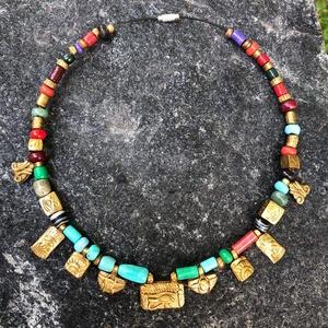 Egyiptomi nyaklánc, Ékszer, Nyaklánc, Ékszerkészítés, Gyurma, Kézzel készített, egyedi, antik hatású, egyiptomi stílusú nyaklánc polymer clay-ből,fekete színű sod..., Meska