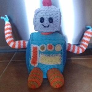 Amigurumi Robi Robot barát, Gyerek & játék, Játék, Játékfigura, Horgolás, 100 %pamut fonalból készült cuki Robi robot amigurumi technikával. Biztonsági szemmel, mérete ülve 2..., Meska