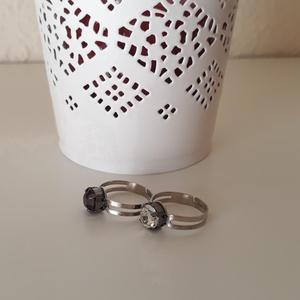 Köves gyűrű, Ékszer, Gyűrű, Gyöngyös gyűrű, Ékszerkészítés, 2 db átlátszó és lila színű köves gyűrű, Meska