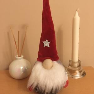 Karácsonyi szakállas manó piros-szürke, Otthon & Lakás, Karácsony & Mikulás, Mikulás, Varrás, Egyedi készítésű aranyos karácsonyi szakállas manó, piros szürke színben.\nRizs és poliészter töltet ..., Meska